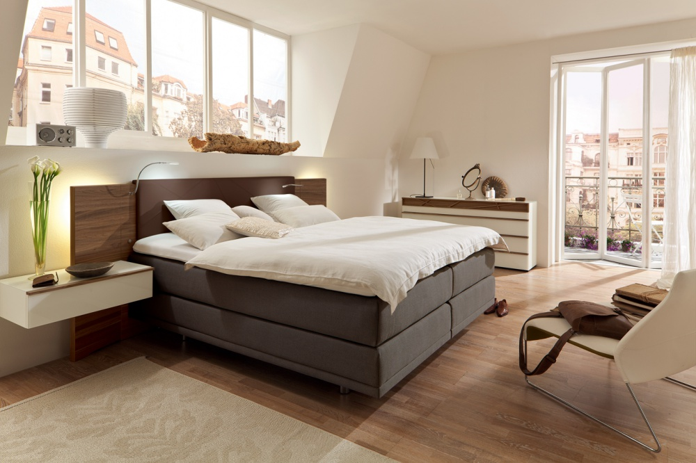 der rintelner schlafen wie auf wolken boxspring betten. Black Bedroom Furniture Sets. Home Design Ideas